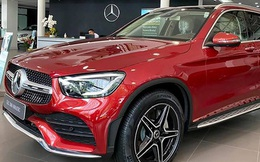 Mercedes-Benz và BMW đua giảm giá tại Việt Nam: Cao nhất hơn 800 triệu, nhiều kiểu ưu đãi khác nhau