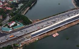 Cận cảnh tuyến đường vành đai 3 đi thấp qua hồ Linh Đàm đang trong quá trình hoàn thiện