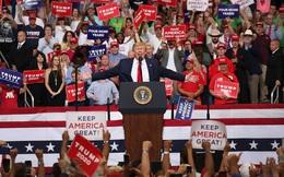 """Chỉ số quan trọng tăng đột biến ở bang chiến trường Florida: TT Trump """"phả hơi nóng vào gáy"""" ông Biden"""