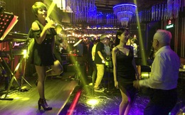 TPHCM đề xuất hỗ trợ nhân viên quán bar, karaoke, massage do ảnh hưởng của dịch COVID-19