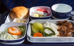 Những sự thật không phải ai cũng biết đằng sau các suất ăn được phục vụ trên máy bay, nghiêm ngặt nhất là cách xử lý đồ thừa