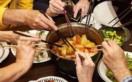 Loại vi khuẩn mà 70% người Việt đang nhiễm: Thuộc nhóm gây ung thư số 1, dễ lây lan cho nhau qua 4 thói quen tai hại khi ăn cơm