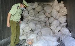 Chặn hơn 16 tấn thịt gia cầm bốc mùi chờ đem đi tiêu thụ tại Bình Phước