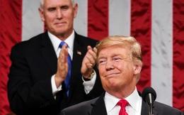 Liên tiếp bị phe Dân chủ dồn ép, ông Trump và Pence lần đầu gặp nhau sau biến cố 6/1, phát tín hiệu cứng rắn: Không có từ chức hay phế truất