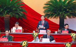 Ông Vương Đình Huệ điều hành phiên thảo luận Văn kiện Đại hội XIII