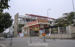 Cận cảnh trường học thành khu cách ly do có học sinh nhiễm COVID-19 ở Hà Nội