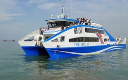 CLIP: Phà biển Cần Giờ - Vũng Tàu rẽ sóng đón khách với giá 70.000 đồng/người