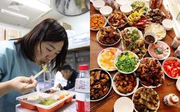 """""""Bữa ăn tối Giao thừa"""" ở Trung Quốc: Phần ăn từ vài trăm đến vài triệu đồng đang """"cháy hàng"""" và cách đón Tết đặc biệt của giới trẻ xa nhà"""