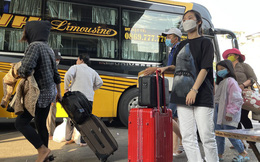Người dân 'đủng đỉnh' trở lại TPHCM sau Tết
