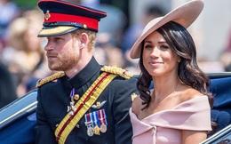Vợ chồng Meghan Markle chính thức từ bỏ hoàng gia, bị lấy lại toàn bộ tước vị danh dự và quyền bảo trợ