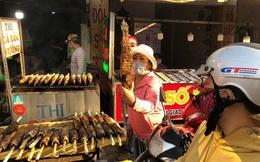 Phố cá lóc nướng ở TPHCM 'cháy hàng' ngày vía Thần tài