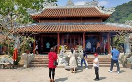 CLIP: Dòng người chen chân viếng Đền thờ Bà Chúa Liễu Hạnh đầu năm