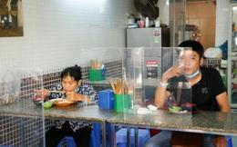 Hà Nội yêu cầu nhà hàng, quán ăn phải có vách ngăn giữa khách hàng