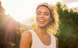 Giáo sư ĐH Harvard: Thường xuyên làm 5 điều này mỗi ngày, hạnh phúc đơn giản hơn bạn nghĩ và còn miễn phí
