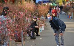 Cảnh xưa nay hiếm tại khu chợ chỉ họp duy nhất 1 lần trong năm, ai cũng giống ai ở 1 điểm