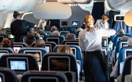 Tiếp viên hàng không cảnh báo, có 1 thứ trên máy bay, hành khách tốt nhất không nên đụng tới