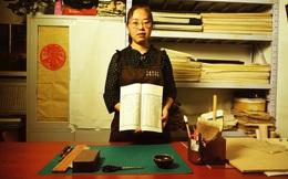 """Nghệ nhân hiếm hoi chuyên """"chữa bệnh"""" cho sách cổ tại Trung Quốc: Tinh hoa một thời sắp chìm vào dĩ vãng"""
