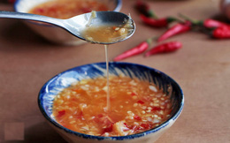Những sai lầm khi sử dụng nước mắm mà người Việt cần bỏ ngay kẻo vô tình khiến chúng mất dinh dưỡng, thậm chí gây hại sức khỏe