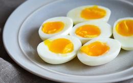 """Nên ăn mấy quả trứng 1 tuần? Lời khuyên """"chí lý"""" từ Chính phủ Mỹ và Anh"""