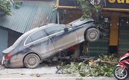 Tá hỏa loạt ôtô 'cam kết' không tai nạn rao bán trên thị trường