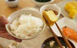 """6 thói quen nguy hại khi ăn cơm người Việt cần thay đổi ngay vì khiến cân nặng tăng nhanh chóng lại còn """"rước"""" đủ thứ bệnh"""