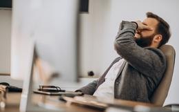 Burn-out tuổi trung niên: Làm gì khi bạn cảm thấy sức tàn lực kiệt trong chính cuộc sống của bản thân?