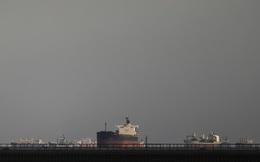 """Phương án nào để giải quyết """"siêu tàu"""" mắc kẹt ở kênh đào Suez?"""