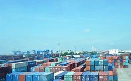 Container rỗng bớt khan hiếm, giá cước vận tải quốc tế vẫn neo cao