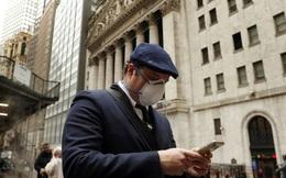 Bloomberg: Nhà đầu tư 'dán mắt vào màn hình' phòng biến động sau loạt giao dịch lô lớn trên Phố Wall tuần trước