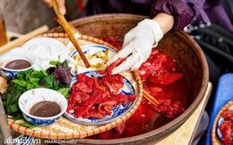 Bà chủ hàng sứa đỏ 3 đời người ở Hà Nội tiết lộ phần ngon nhất của con sứa khi rộ mùa, bật mí chỉ dùng dao tre thay vì dao thép để cắt sứa càng khiến món ăn thêm bí hiểm