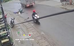 CLIP: Phóng xe máy tốc độ cao, nam thanh niên lao vào xe tải rồi nằm sấp bất động khiến người đi đường kinh hãi