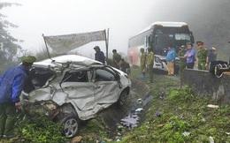 Vụ xe khách húc văng xe con vào lề đường: 2 nạn nhân tử vong đều là quân nhân
