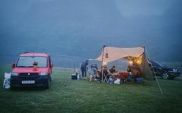 Một năm bùng nổ của Camping - cắm trại, dù không ở resort sang chảnh, không chăn ấm nệm êm nhưng các gia đình đến hội ngôi sao đều check in ầm ầm với hàng loạt chỗ quá lạ!