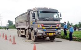 Tài xế xe quá tải gần 150% 'câu giờ' gọi điện cầu cứu khi bị xử lý
