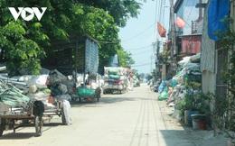 """""""Ngạt thở"""" vì ô nhiễm ở làng tái chế nhựa phế thải lớn nhất Hà Nội"""