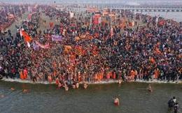 """""""Cứ 4 phút có một người chết"""": Sự thảm khốc không tin nổi ở Ấn Độ sau kỳ lễ hội và làn sóng """"về quê"""""""