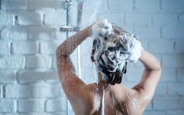 """3 điều """"cấm kỵ"""" khi tắm mà bạn cần tránh nếu không muốn sức khỏe thụt lùi theo thời gian"""