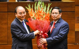 """Trăn trở của Chủ tịch nước và Thủ tướng trong ngày """"chuyển giao tay lái"""" con tàu kinh tế Việt Nam"""