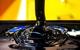 """Giá dầu giảm hơn 4%, khí tự nhiên """"bốc hơi"""" gần 5%"""