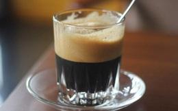 Dấu hiệu bạn đang uống cà phê quá nhiều: Khi nào nên cắt giảm?