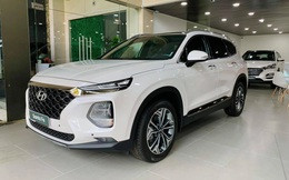 Hyundai Santa Fe giảm giá cao nhất 120 triệu đồng, tăng sức ép lên Kia Sorento