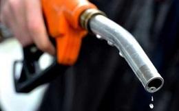 Giá xăng tăng hơn 400 đồng/lít kể từ 15 giờ chiều nay