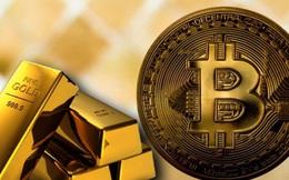 Giá vàng trên đà lên 2.000 USD do bitcoin lao dốc?