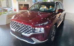 Hyundai Santa Fe 2021 không bị đội giá