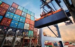 Xuất khẩu giảm mạnh 2 tỷ USD, cán cân thương mại bất ngờ đổi chiều thâm hụt