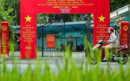 Cử tri Hà Nội đi bỏ phiếu bầu cử