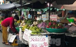 Xoài giá rẻ ngập chợ TPHCM