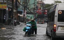 CẢNH BÁO: Nhiều tuyến đường ở TP HCM đang ngập sâu