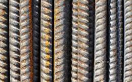 Trung Quốc ngày 25/5 tiếp tục tuyên bố kiểm soát chặt giá quặng sắt, đồng, ngô và nhiều hàng hóa khác, giá sắt thép trồi sụt liên tục