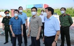 Chùm ảnh: Phó Thủ tướng Vũ Đức Đam kiểm tra một số điểm cách ly, phong toả tại 'tâm dịch' Bắc Giang